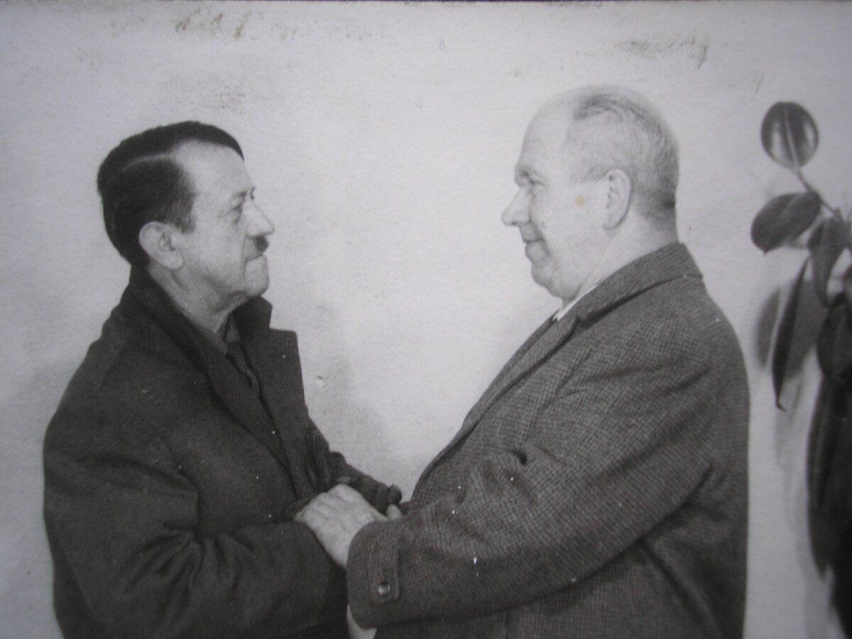 Адольф воскрес ! Слава КПРС ! Життя Гітлера після війни.