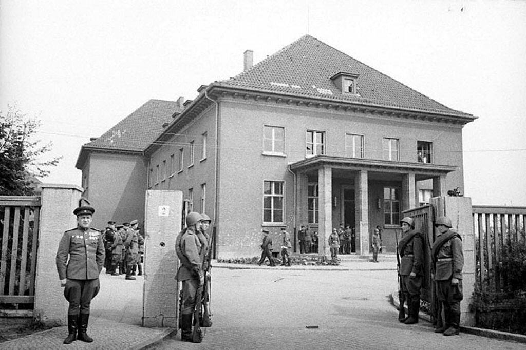Як перший комендант Берліна подарував німцям життя.