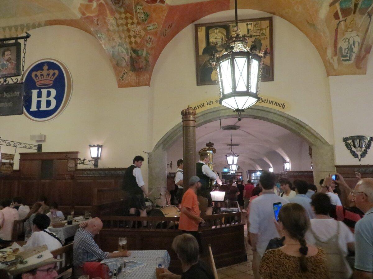 Найвідоміший у світі пивний ресторан. Хофбройхаус