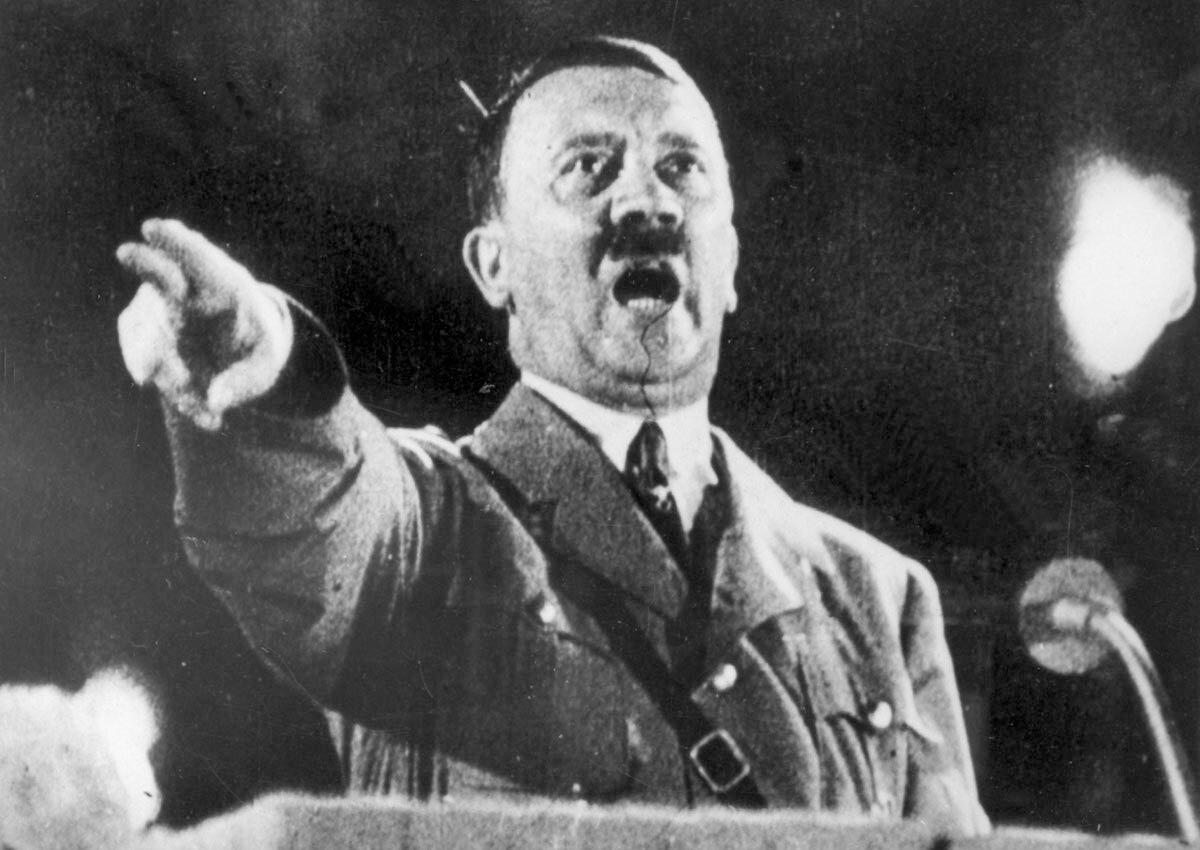 Що говорив Гітлер про боротьбу з Росією на секретній нараді?