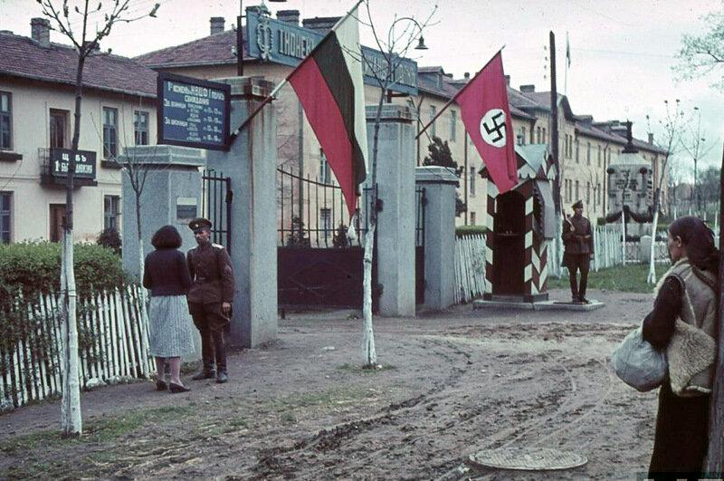 Чому Болгарія воювала на боці Гітлера? Як їй вдалося не зрадити СРСР?