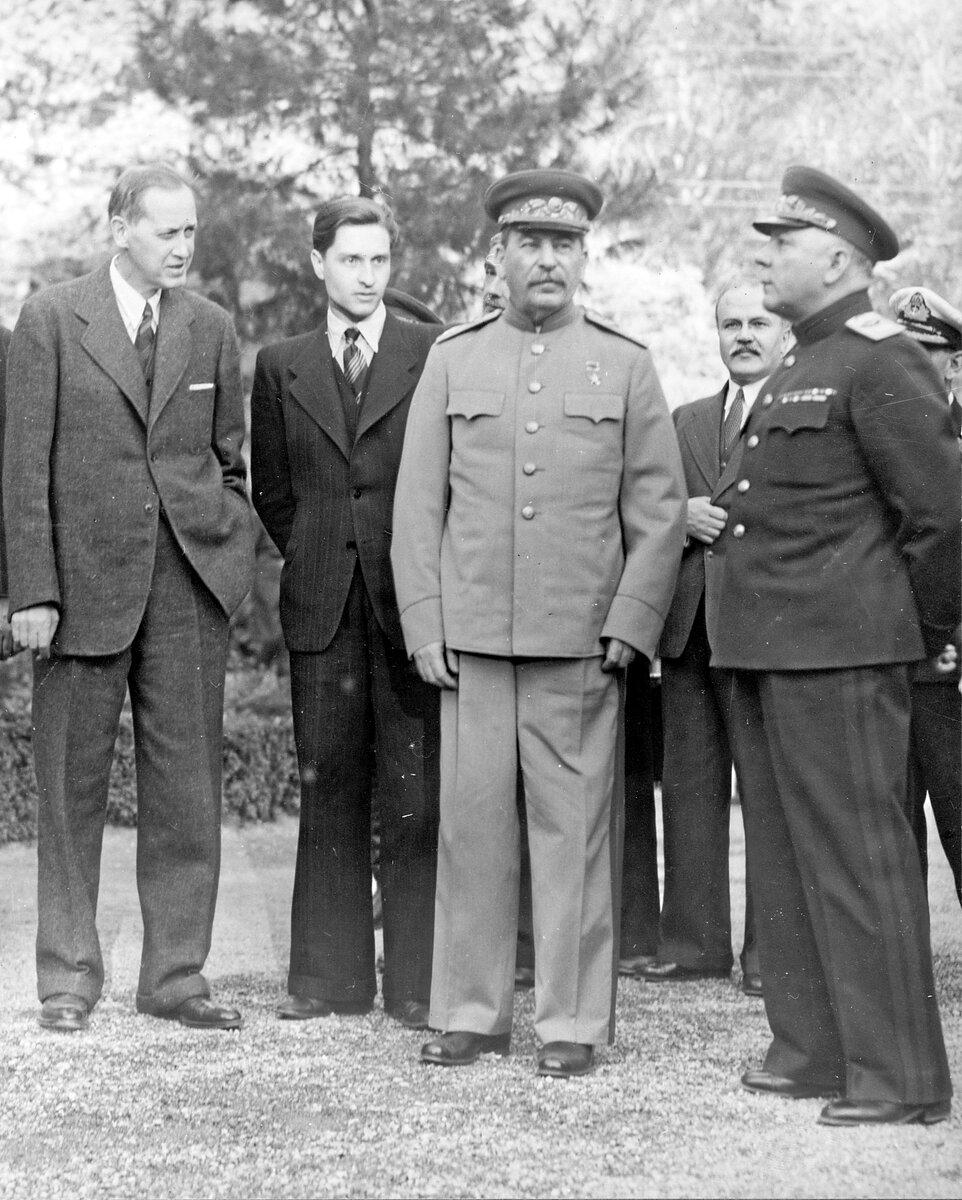 Перекладачі Сталіна і Хрущова