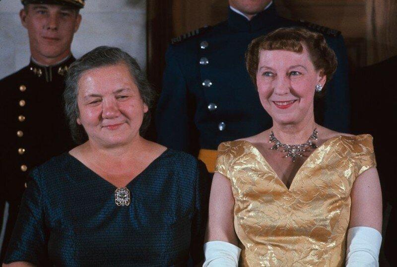"""Як світ побачив """"першу леді"""" СРСР."""