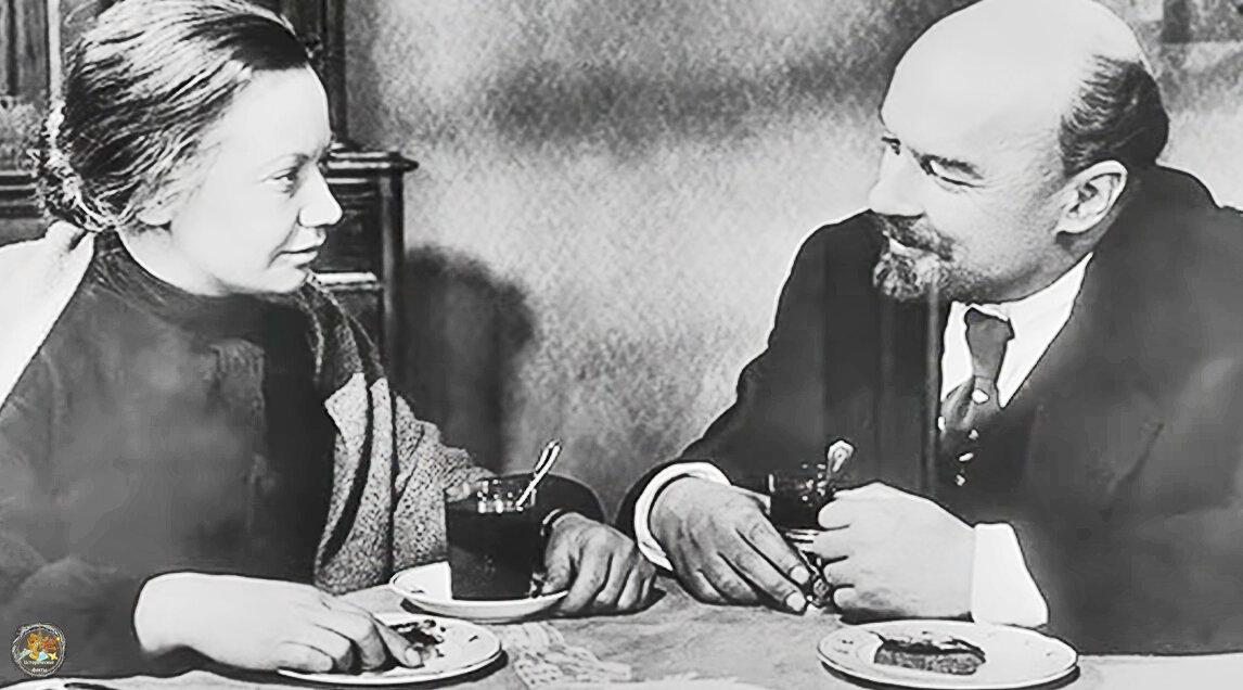 Що насправді їли радянські вожді? Кремлівська кухня від Леніна до Путіна