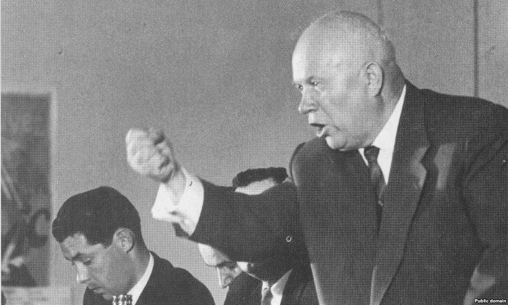 Енвер Ходжа про спробу повалення Хрущова у 1957 році.