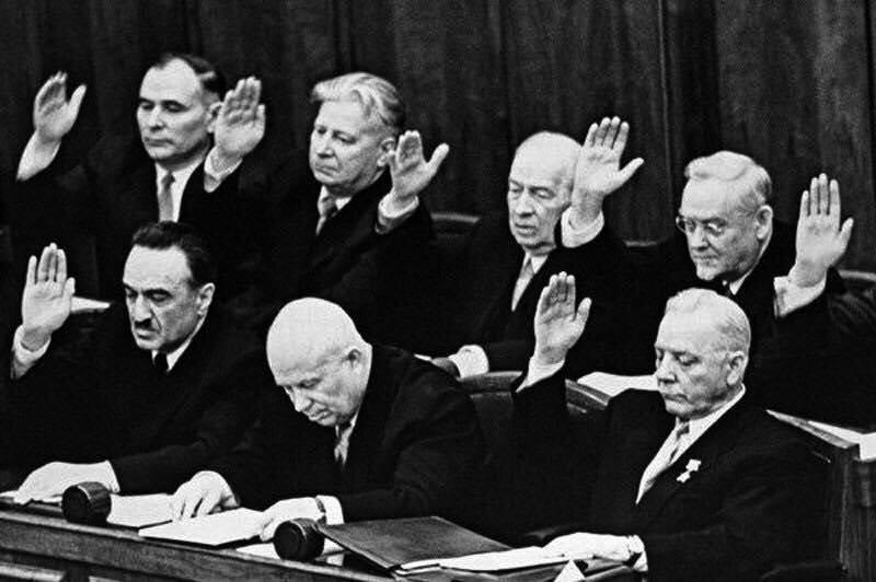 Чому Хрущов плакав після відставки