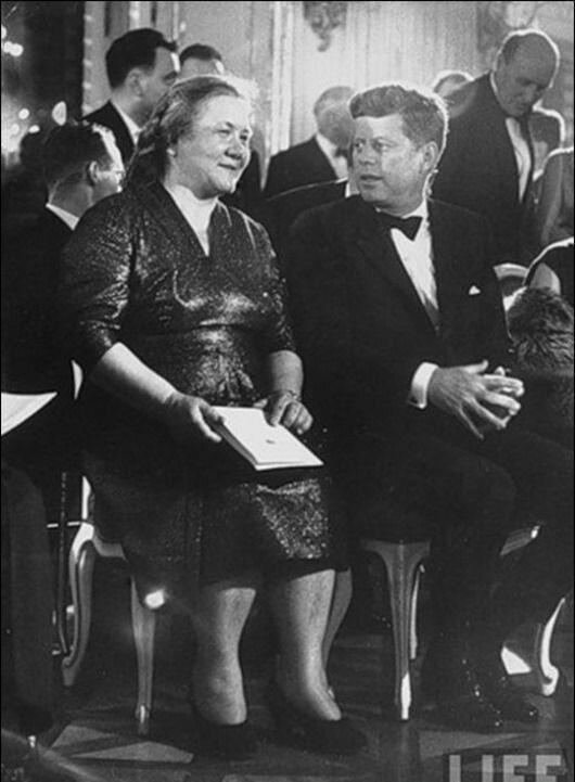 Кілька штрихів до портрета дружини Хрущова