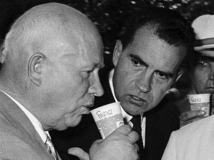 Як Микита Хрущов принизив американців і особисто Президента Ніксона