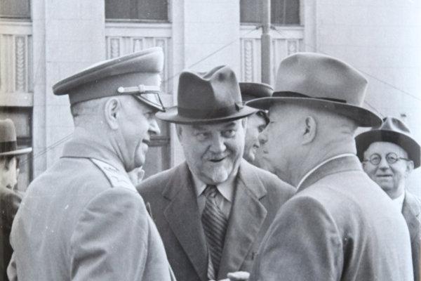 Як маршал Жуков двічі врятував Хрущова, а той його зрадив і обдурив