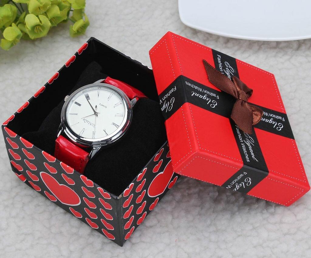 Можна дарувати наручний годинник? Прикмети, і як зробити це правильно?