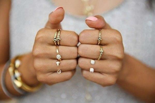Можна носити кільця тільки на цих пальцях.