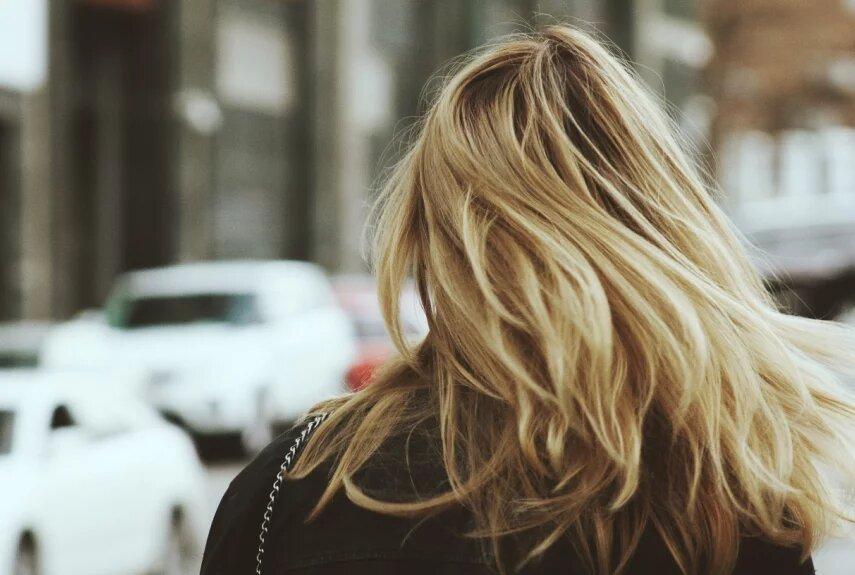 Дослідження: до облисіння призводять забруднюючі частинки на шкірі голови