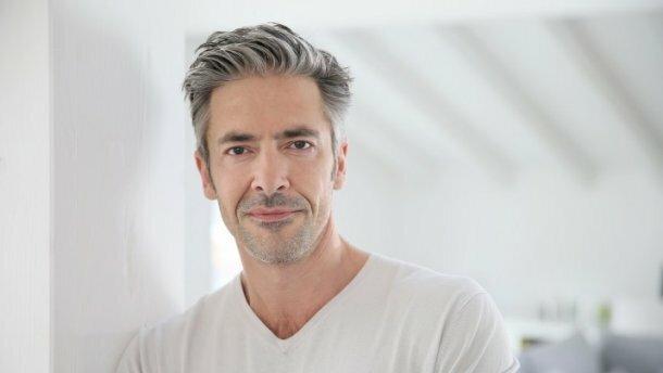 Кожен чоловік лисіє. Причини випадіння волосся у чоловіків?