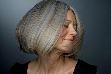 Сиве волосся: в чому причина і як боротися
