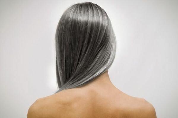 Волосся посивіти від фарбування?