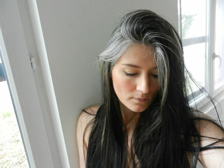 Що я відчула, коли знайшла у себе сивого волосся?