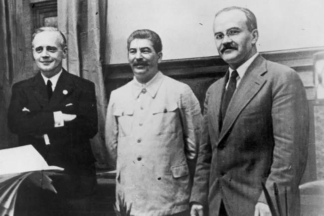 Пакт Молотова - Ріббентропа. Успіх або провал зовнішньої політики СРСР?