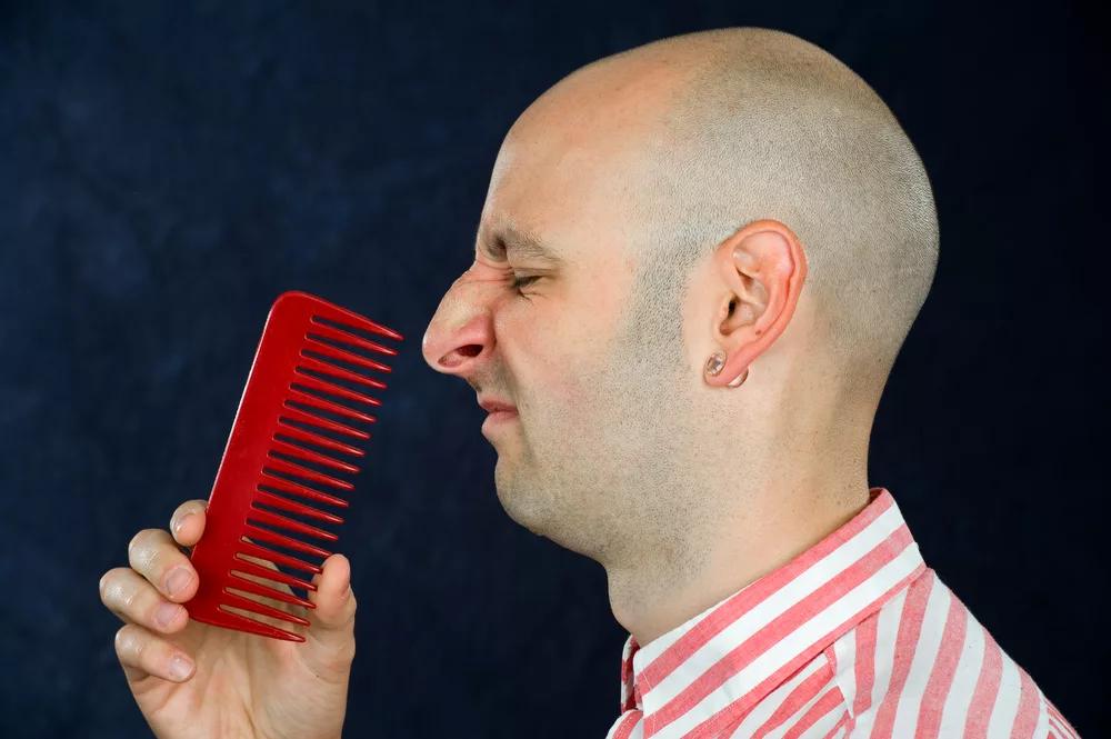 Лосьйон проти випадіння волосся: ні ефекту, ні грошей