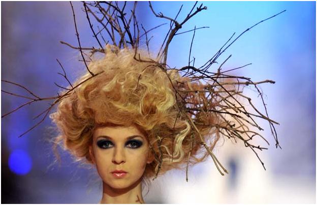 Найбезглуздіші дамські зачіски: шедеври перукарського мистецтва