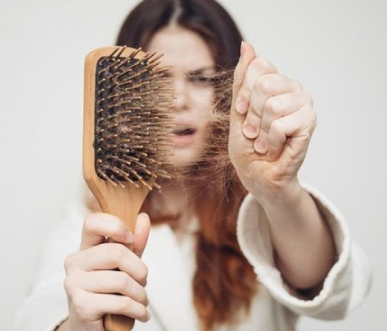 Копійчане засіб на сторожі облисіння і випадання волосся.