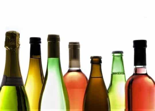 Алкоголь, газованої води, каміння в Нирко