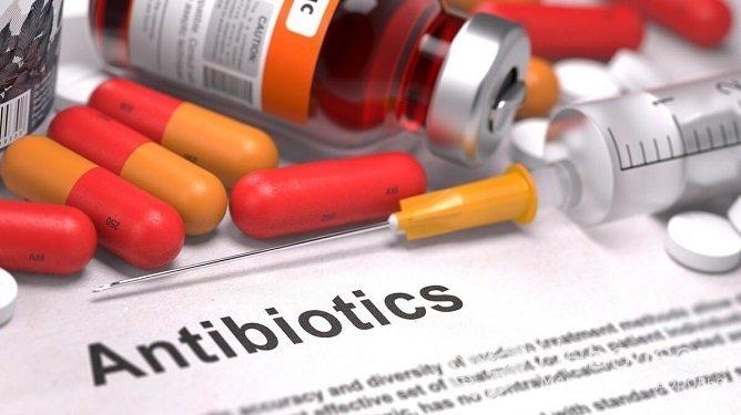 Антибіотики - основний засіб лікування атипової пневмонії