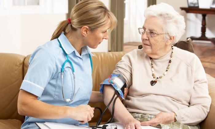 Аспірин приймають для профілактики інсультів