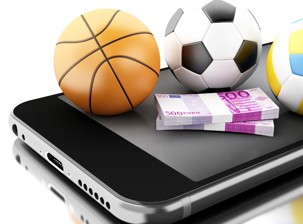 Смартфон, мячи игровые и деньги