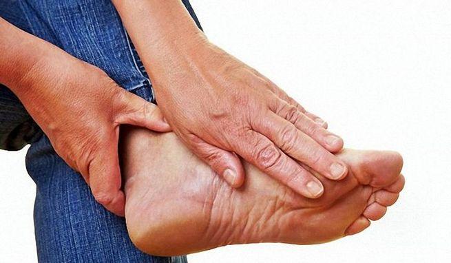 Біль у стопі і суглобах