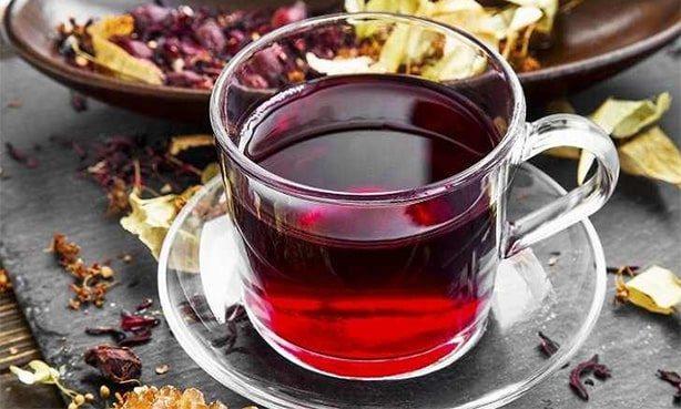 Чай Каркаде в чашці