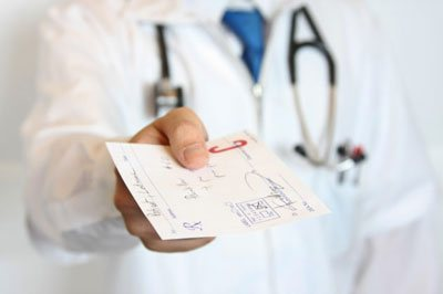 Що таке поліпозній риносинусит и як его лікуваті