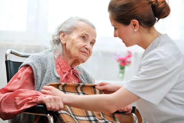 Деменція у літніх людей. Симптоми, лікування і догляд, ліки, як виявляється