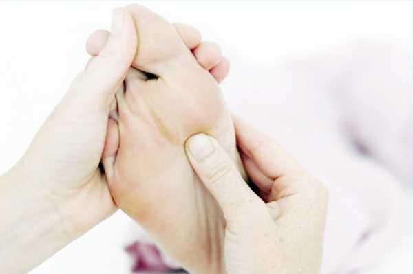 Для Кращий ефект рекомендується поєднаті процедуру з масажем голеностопа и Закінчити масажем ступні розтіраючімі Рухами