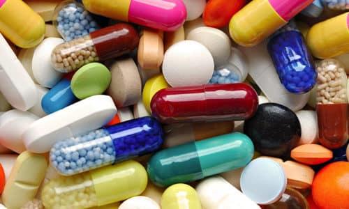Якщо клініко-гормональний дисбаланс посилюється, лікар призначає консервативне лікування із застосуванням медикаментів