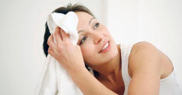 Фото: причини гіпергідрозу у жінок