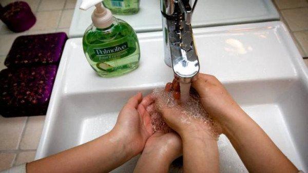 Фото: засоби гігієні для ПРОФІЛАКТИКИ ротавірусної інфекції