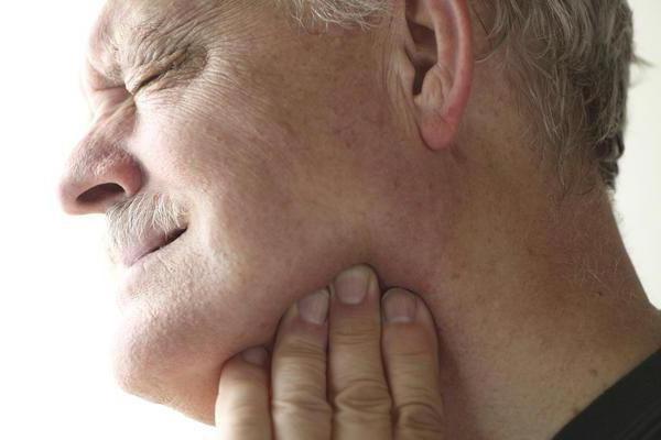 де в роті знаходяться слинні залози фото