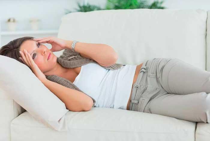 гіпертонік на дивані