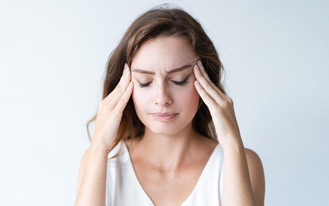 Головний біль у жінок