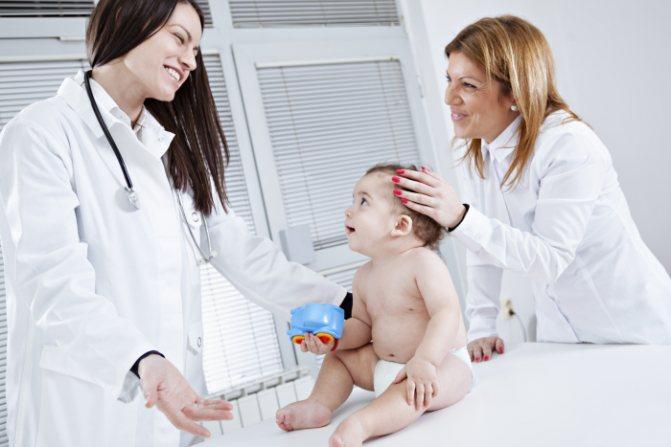 немовля у лікаря