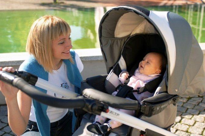 Гуляти з дитиною, у якої ріжуться зубки, можна и нужно.