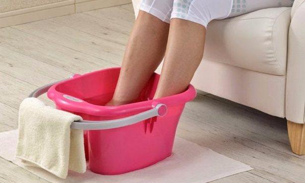 Холодна ванночка для ніг