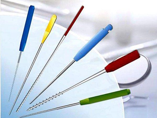 інструменти для очищення каналів зуба