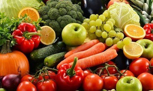 Уникнути появи судинних зірочок допоможе вживання свіжих овочів і фруктів