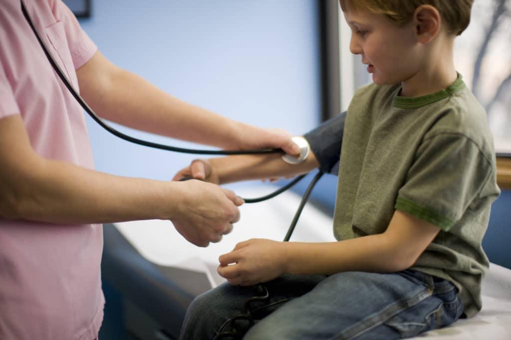 Вимірювання тиску у дитини