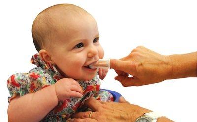 Як Виглядає прорізування зубів у немовлят