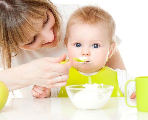 годування дитини
