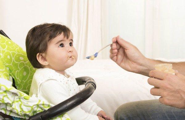Коротка вуздечка язику у дитини, новонародженого. Як визначити, ознаки, в якому віці підрізати