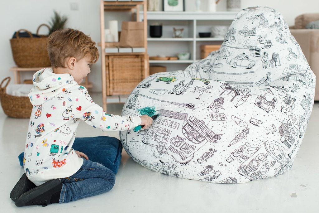 Кресло-мешок в интерьере детской комнаты
