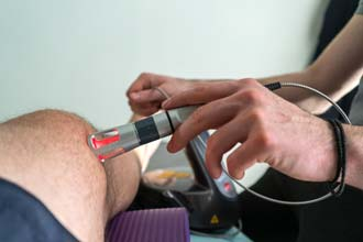 лазерна терапія колена